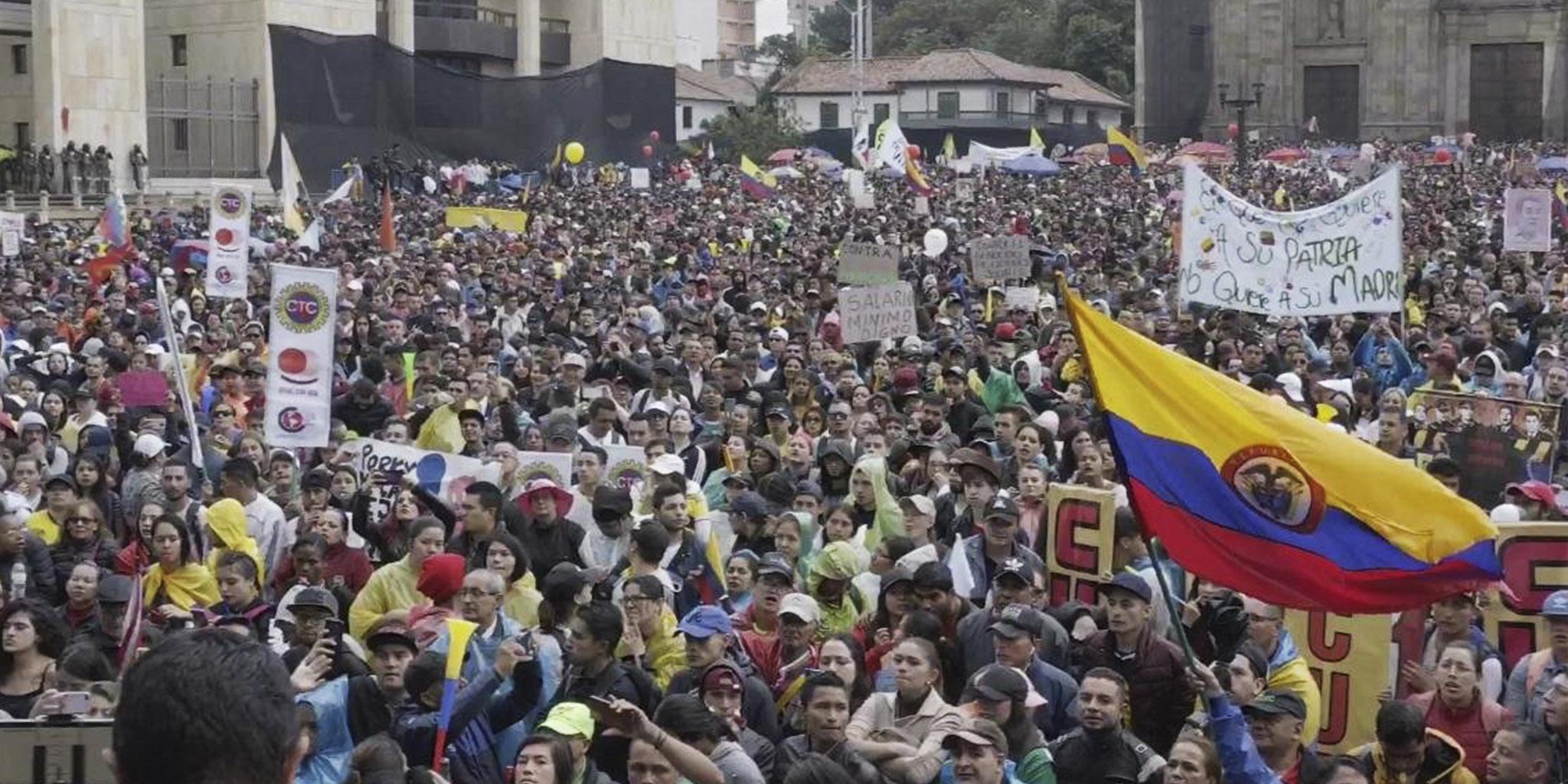 Paro nacional histórico en Colombia: millones de personas en las calles de  todo el país -