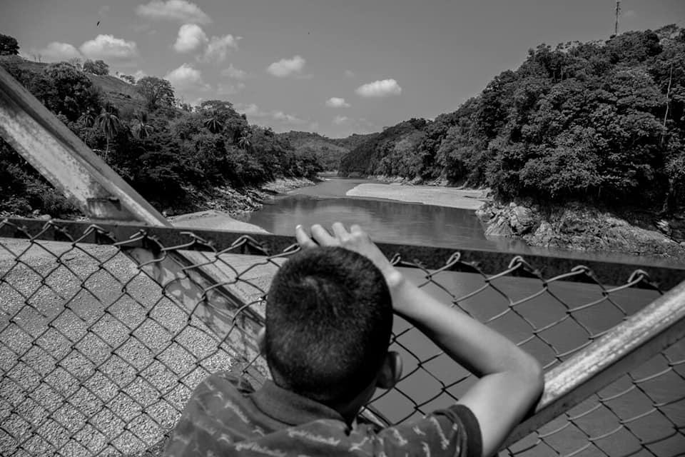 Hasta matar al río