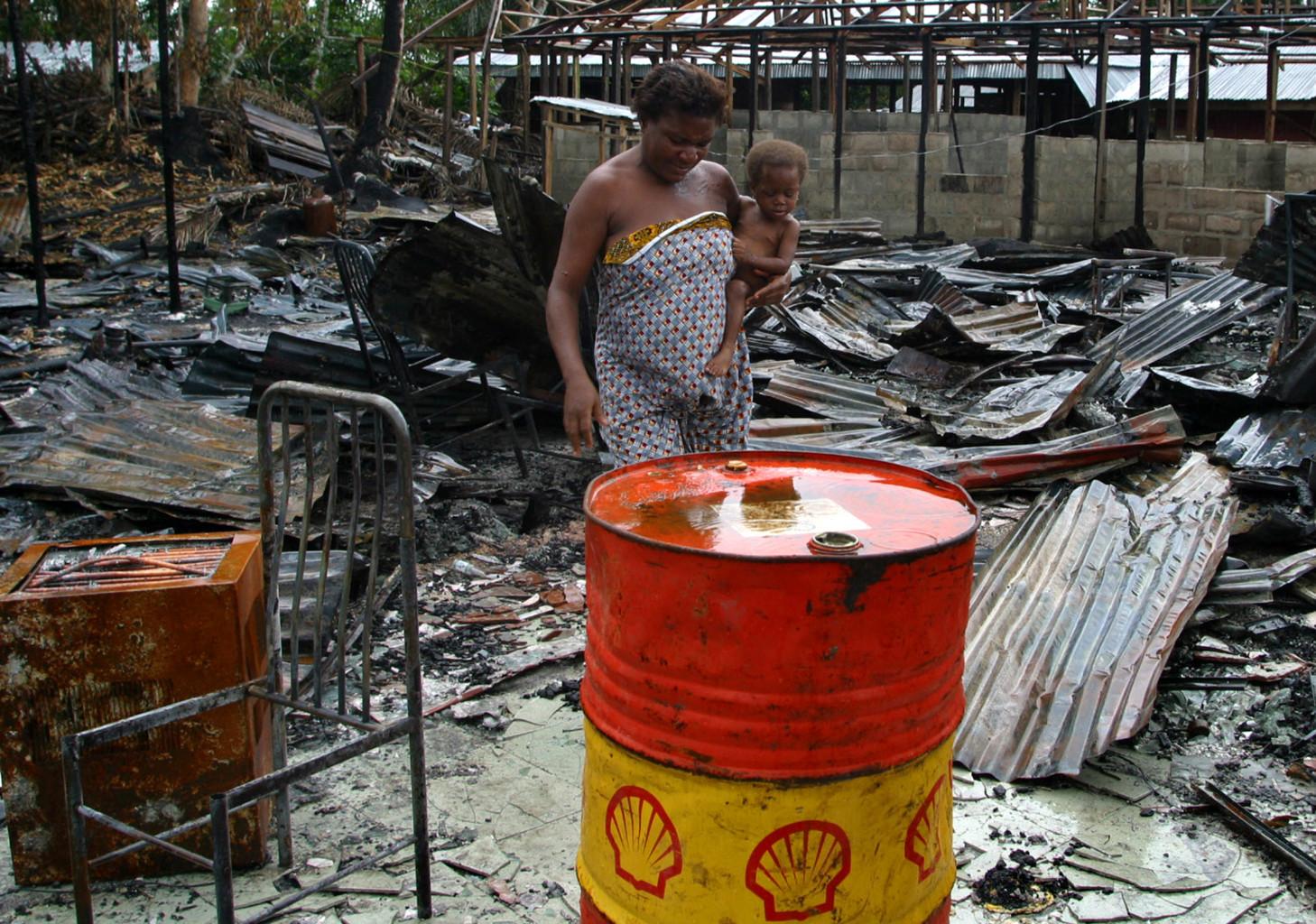 Shell ante la justicia holandesa: demanda inédita contra el cambio climático