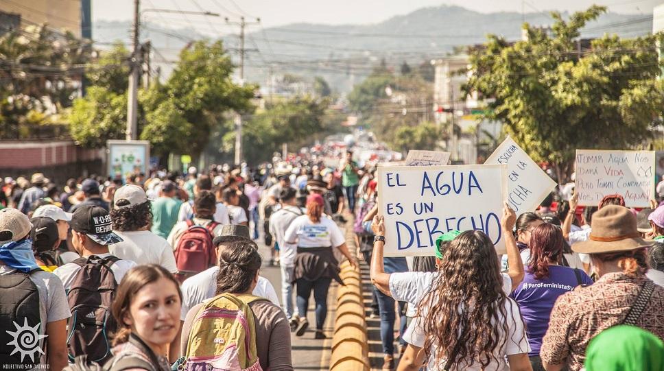 El pueblo salvadoreño marcha por el derecho al agua